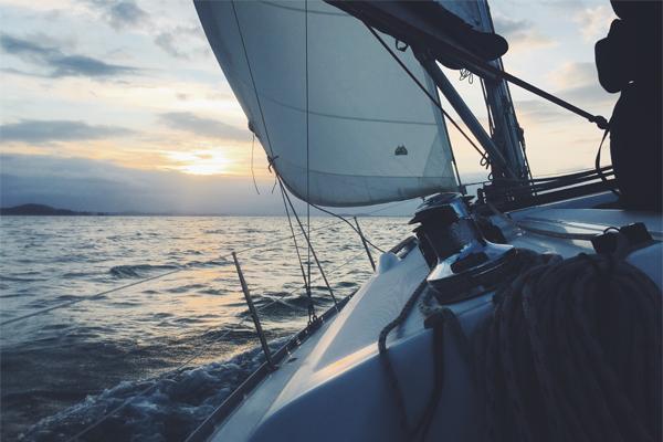 Conoce los beneficios de la asistencia náutica.