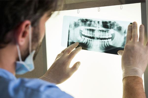 El seguro dental para lucir una sonrisa sana y bella