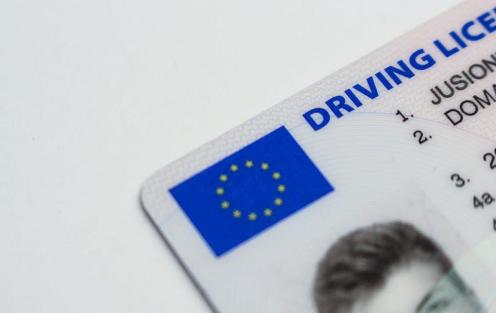 Multas por conducir sin carnet