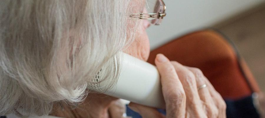 evitar engaños a personas mayores