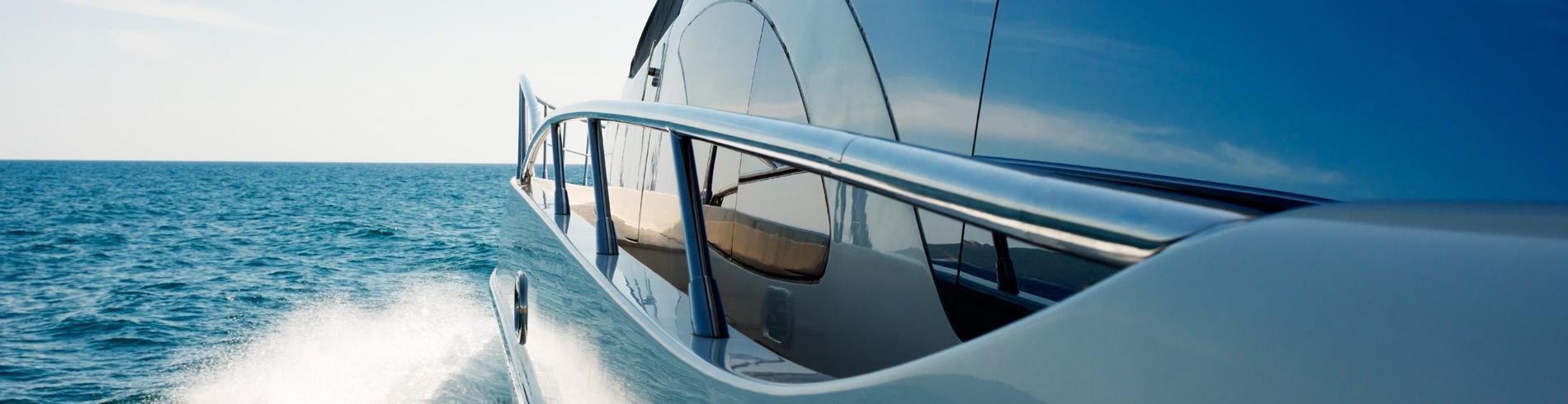 seguro de embarcaciones Plus Ultra Seguros