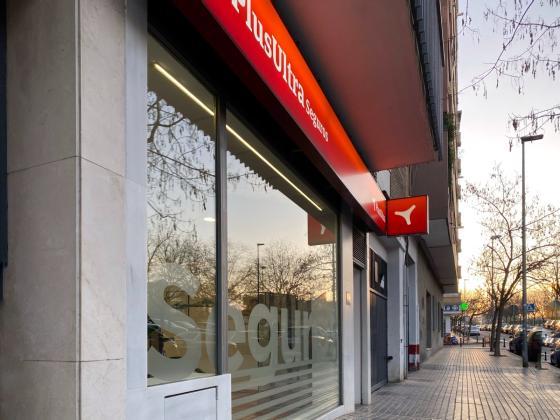 Localización oficina Plus Ultra Seguros agencia Gisbert Seguros